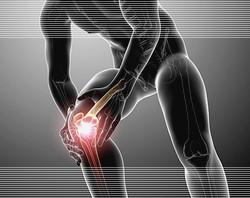 травмы колен в йоге